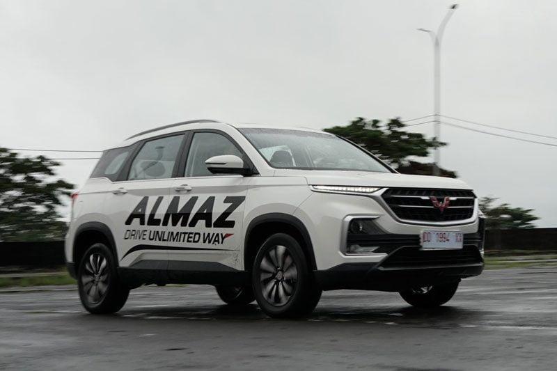 Wuling Almaz RS